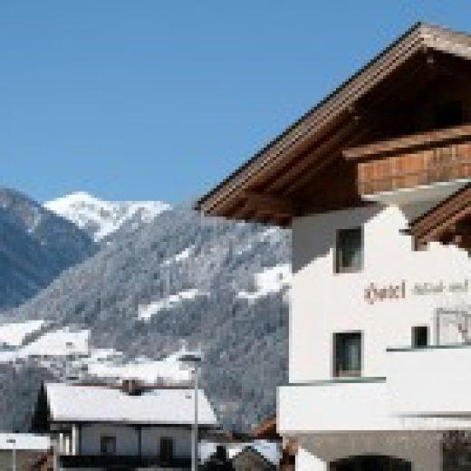 Wintersport Tirol – Garni Glück Auf (appartement)